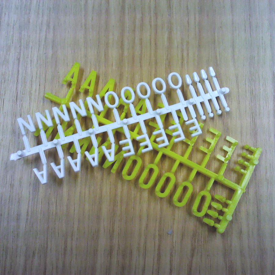 White & Yellow 13mm & 19mm Letters & Numbers (692 Pieces)